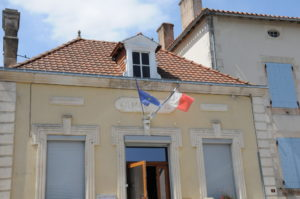 Asnières-Sur-Blour
